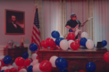 """Video: Weezer – """"I Love the USA"""""""