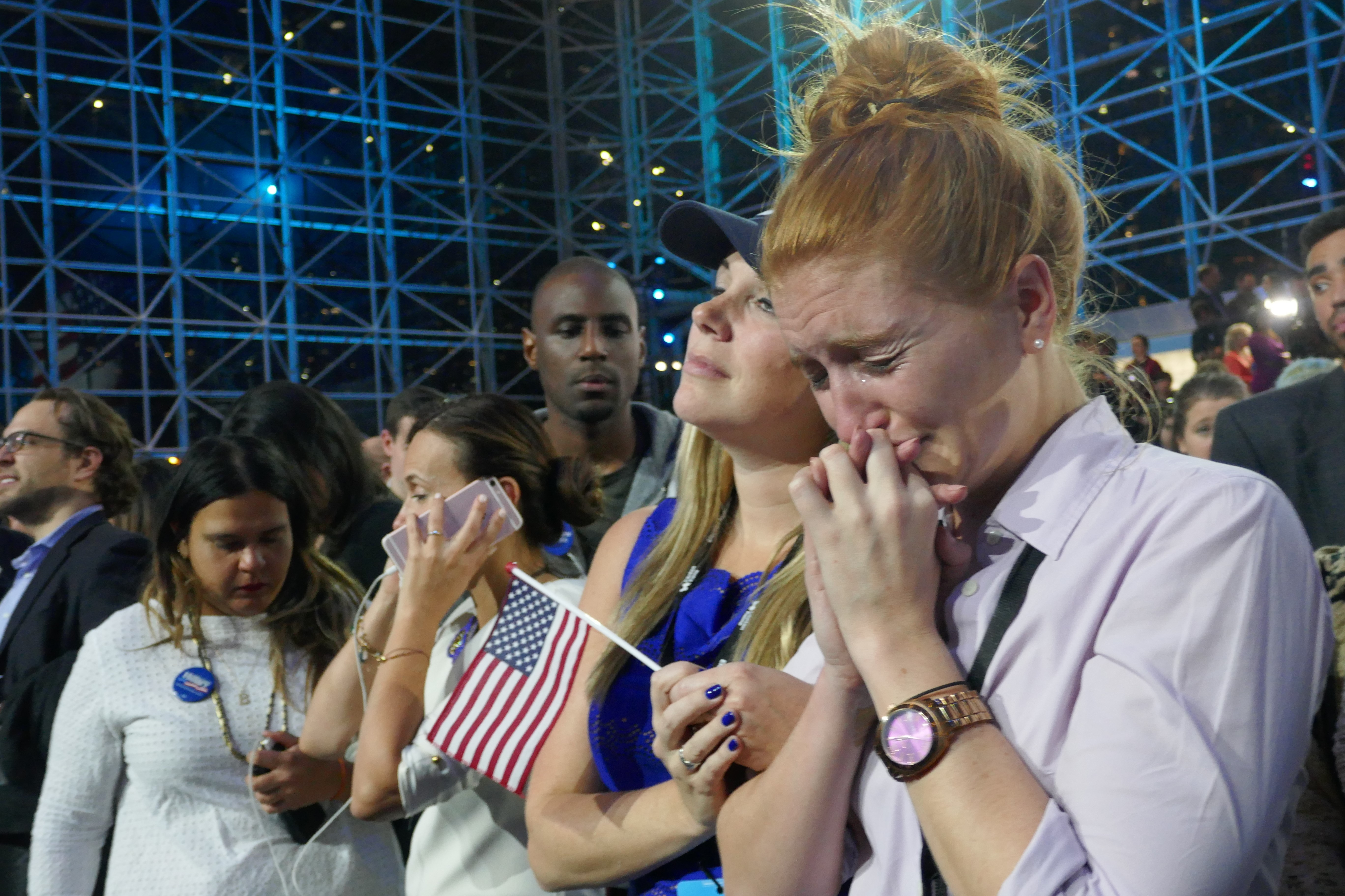 Clinton supporters' sorrow over Trump's Victory on US Presidential Election