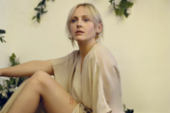 "Laura Marling Announces New Album <i>Semper Femina</i>, Shares ""Soothing"" Video"