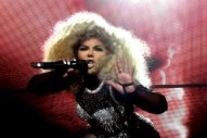 "Lil' Kim Was Too Pregnant to Finish ""Crush on You,"" Which Is Why It Features Lil' Cease"