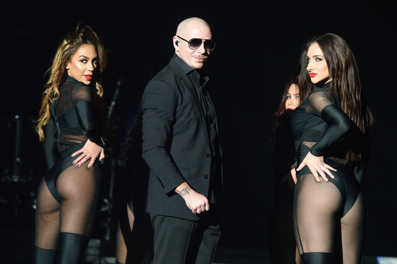 Enrique Iglesias & Pitbull In Concert - Rosemont, Illinois