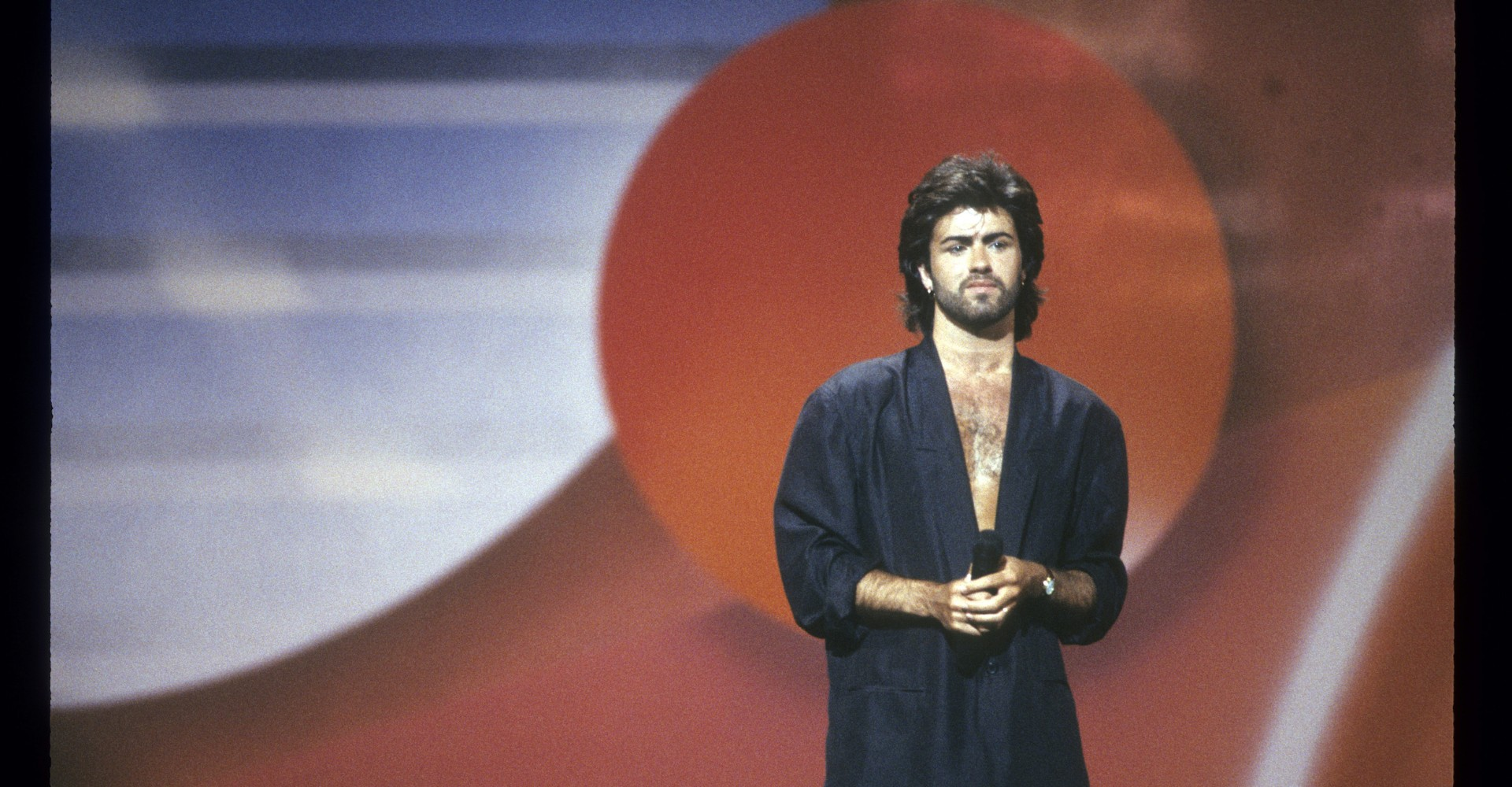 George michael pop superstar has died at 53 new york times - Hold On Hold On I Won T Let You Go On George