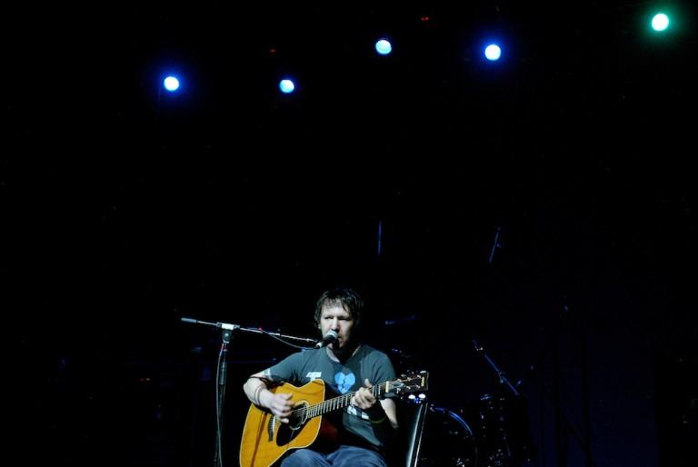 Singer Elliott Smith Dies