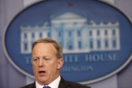 Sean Spicer Is So Bad At Being a Cunning Washington Manipulator That It's Almost Sad