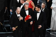 Oscars 2017: <i>La La Land</i> Mistakenly Announced as Best Picture Instead of <i>Moonlight</i>