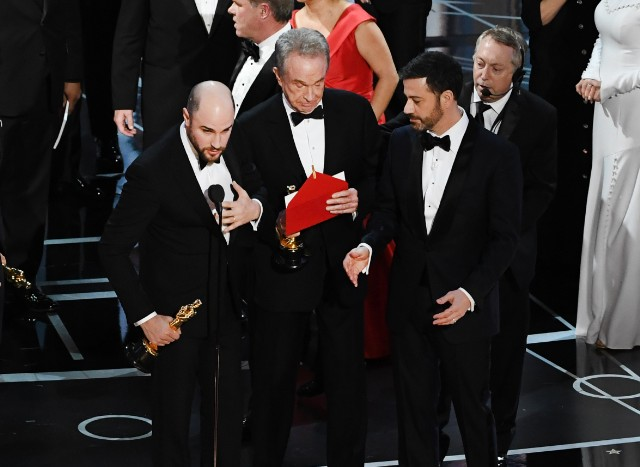 Oscars 2017: La La Land Mistakenly Announced as Best Picture Instead