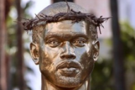 L.A. Artist Plastic Jesus Unveils Dumb Kanye West Statue on Hollywood Boulevard