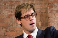 """Jobless Milo Yiannopoulos Apologizes at Press Conference, Says He's Proud to Be a """"Free Speech Warrior"""""""