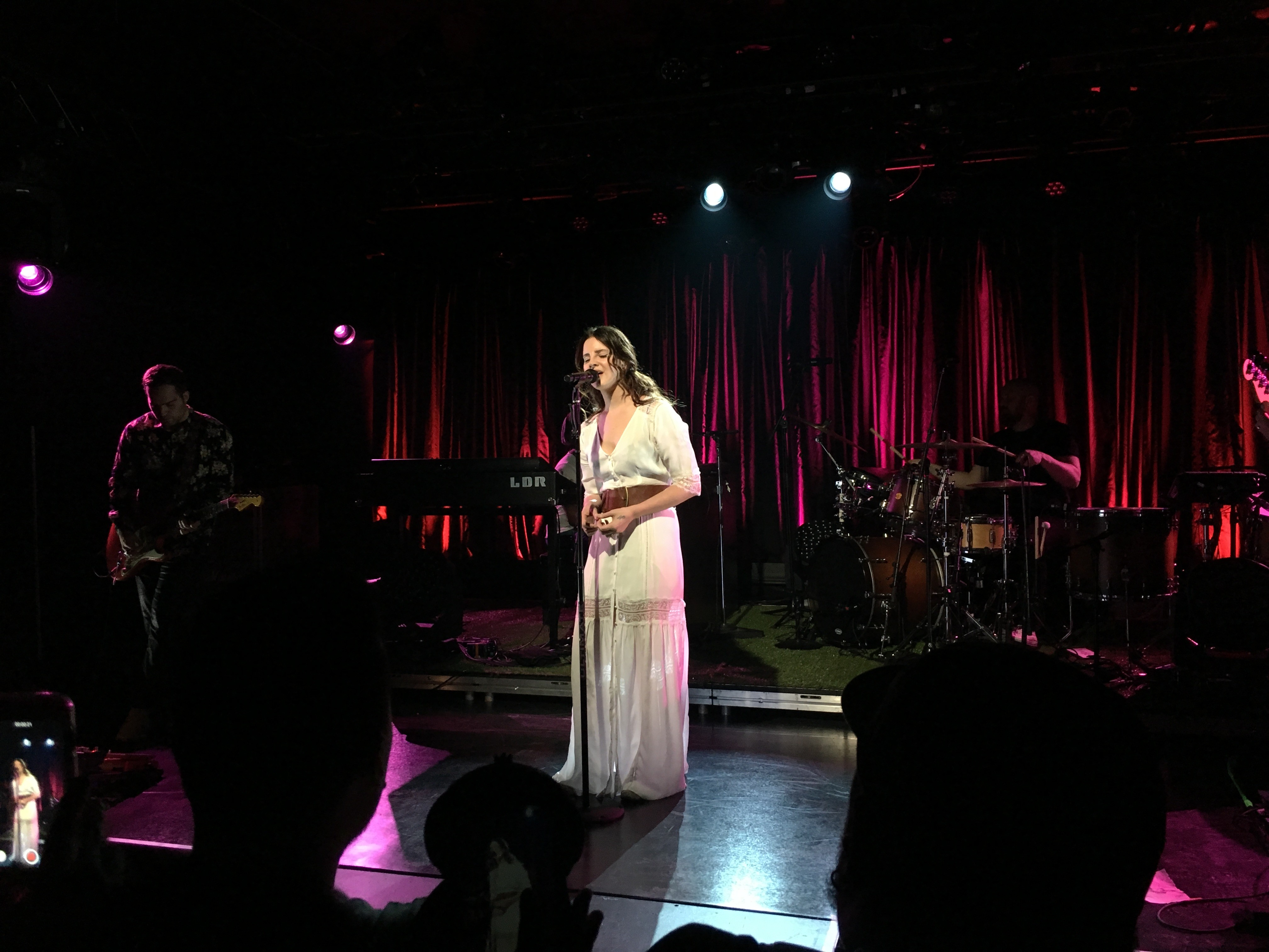 lana-del-rey-love-live-sxsw-video