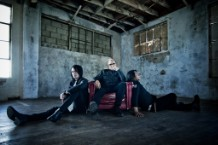 Everclear_Trio_Paul-Brown-1493151865