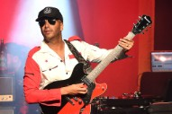 Tom Morello Premiered a New Solo Song Called &#8220;Keep Going&#8221; On an <i>Intercept</i> Podcast Featuring Julian Assange