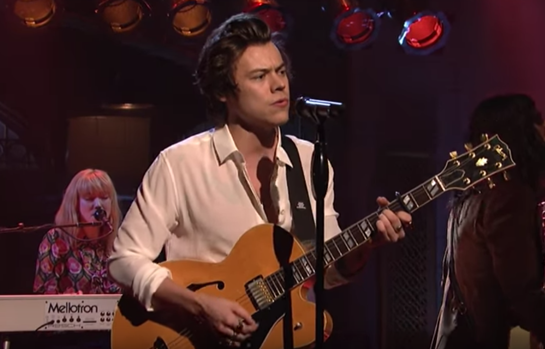 "Watch Harry Styles Perform ""Sign of the Times"" and Debut ..."