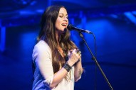 Alanis Morissette Shares Acoustic Version of 'Ironic' From Upcoming Concert Film