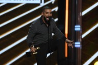 "Watch Drake Perform ""Gyalchester"" at the 2017 Billboard Music Awards"