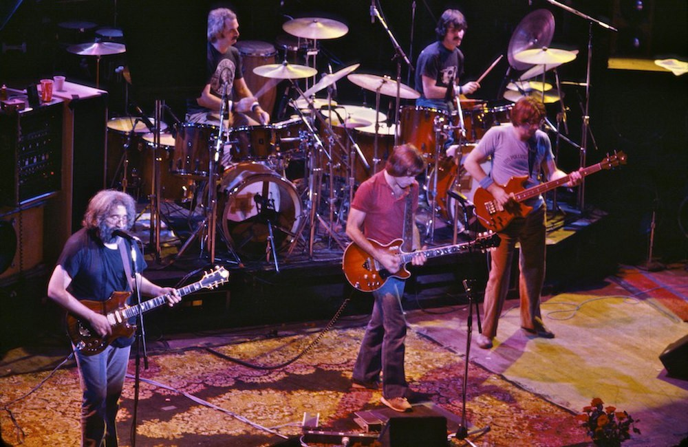 Grateful_Dead_at_the_Warfield-01-1494259747