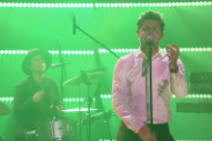 Watch Niall Horan Perform His Slinky Single &#8220;Slow Hands&#8221; on <i>Fallon</i>