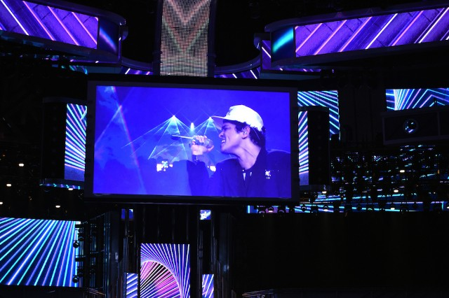 Bruno Mars Performs Versace On The Floor At Billboard