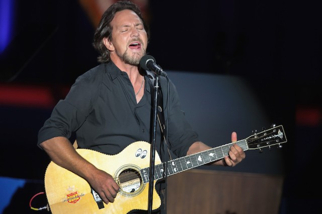Eddie Vedder kicks off tour with tribute to Chris Cornell