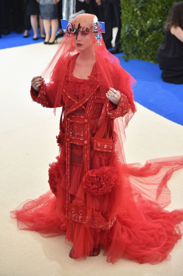 katy-perry-met-gala-1493743078