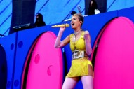 Katy Perry Will Be a Judge in the Rebooted <i>American Idol</i>