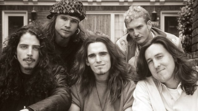 Pearl Jam members pay tribute to Chris Cornell