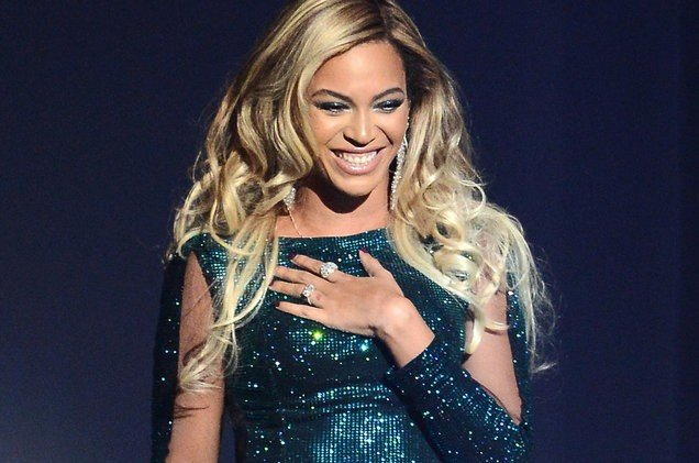 beyonce-glitter-dress-21k-billboard-1548-1498509621