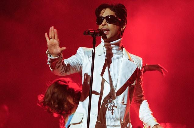 prince-live-red-2007-billboard-1548-1496935709
