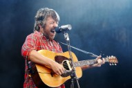 "Watch Fleet Foxes Half-Assedly Cover Phish Before Playing ""White Winter Hymnal"""