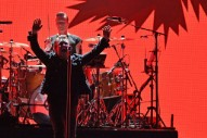 """Watch Noel Gallagher and U2 play """"Don't Look Back In Anger"""" at London Show"""