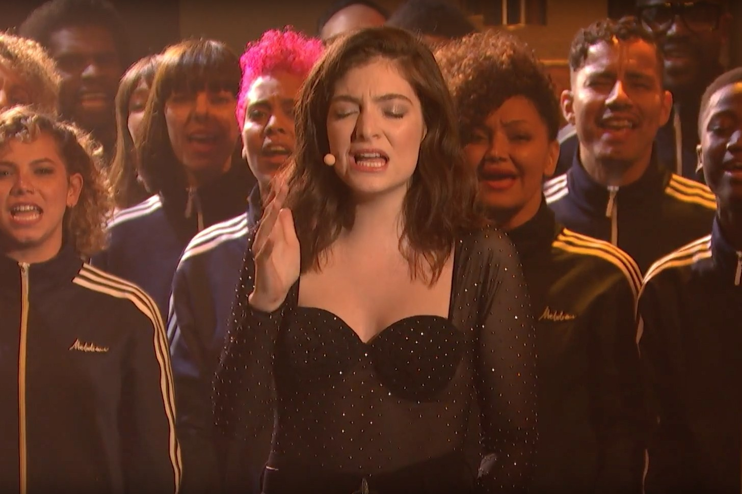lorde-perfect-places-seth-meyers-1500384720