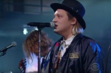 Arcade-Fire-on-Colbert-1501850256-640x392-1501852724