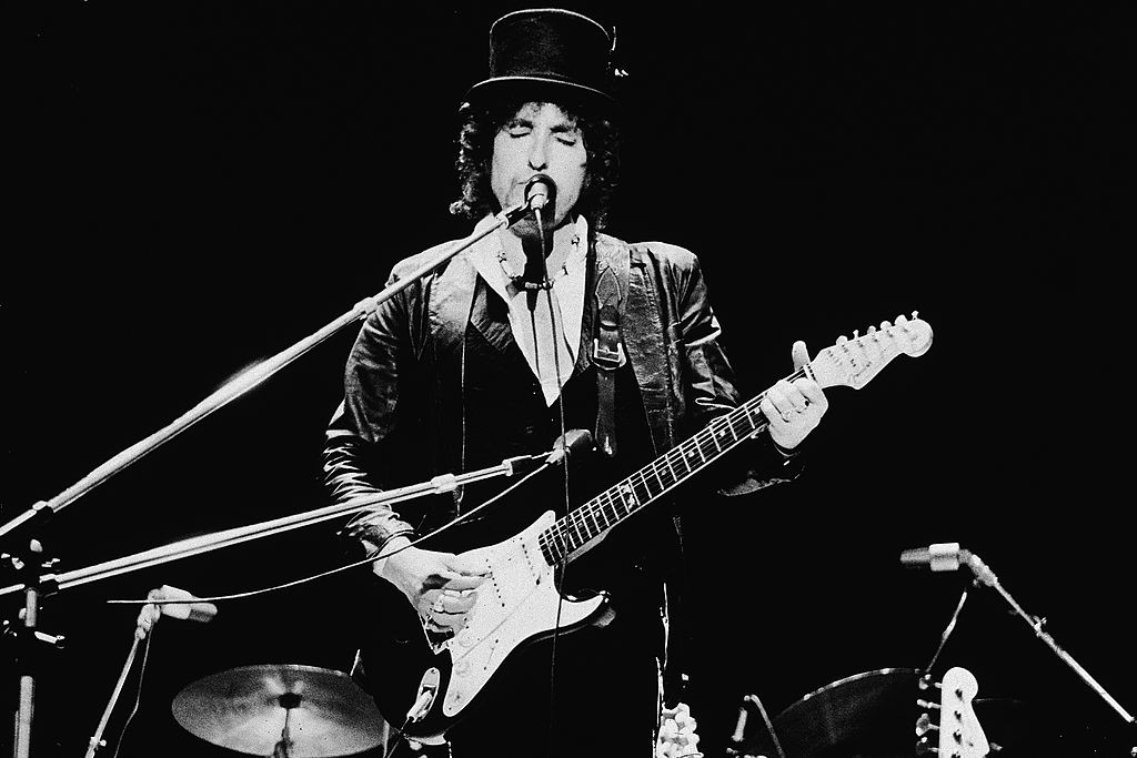 Bob Dylan Performing In England