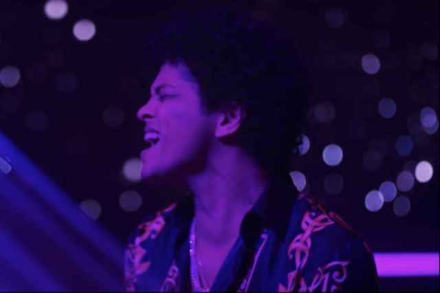 "Bruno Mars Releases New ""Versace on the"