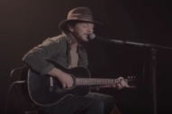 Watch Eddie Vedder Perform on <i>Twin Peaks</i>