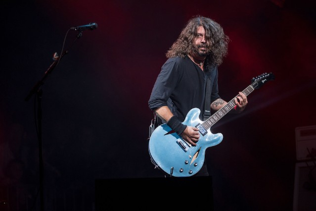 Foo Fighters go stargazing in video for