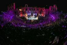 foo-fighters-landmarks-live-in-concert-1502982169