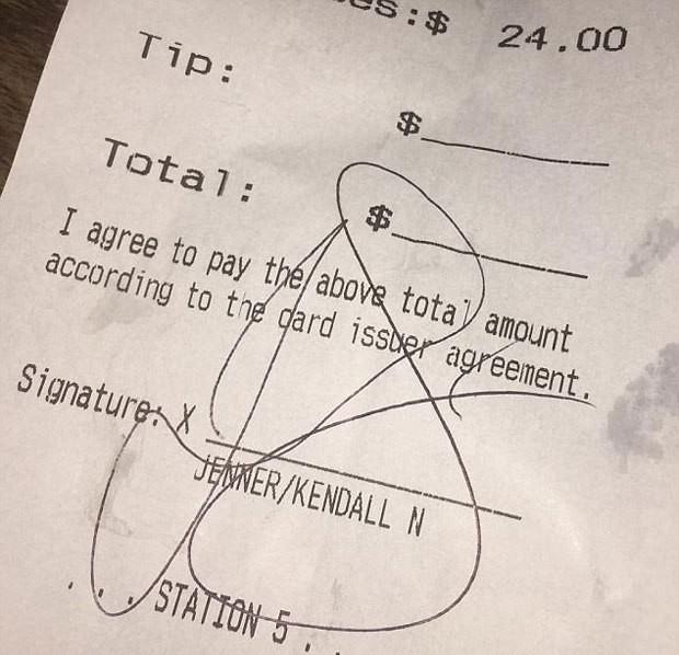 kendall-jenner-stiff-bartender-no-tip-embed-1502291200