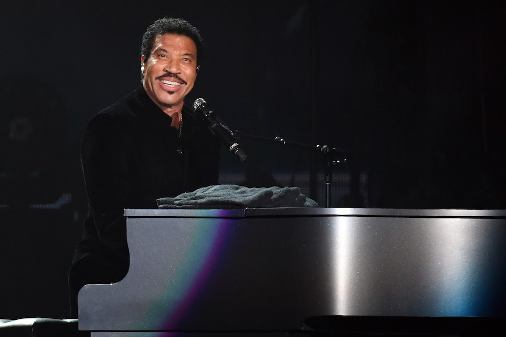 Lionel richie is thinking about not attending the kennedy Lionel richie madison square garden