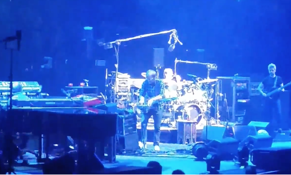 Watch Phish Cover Radiohead S Everything In Its Right Place At Madison Square Garden Spin