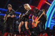 Taylor Swift Announces New Album <i>Reputation</i>