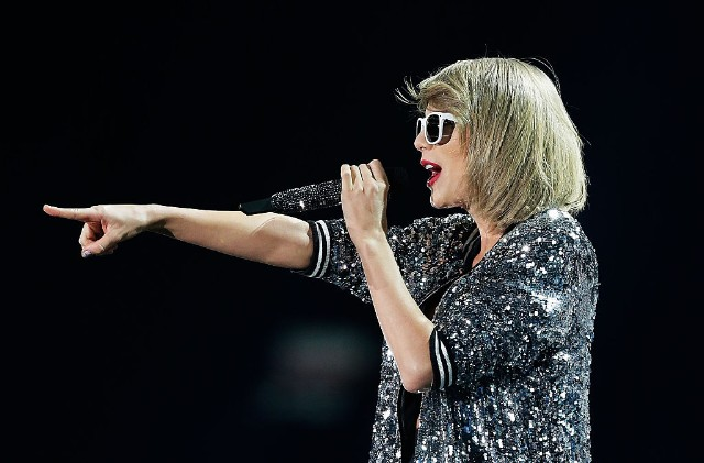 Taylor Swift Tries To Eclipse The Eclipse With Instagram Post