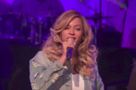 Watch Beyoncé Speak And Distribute Food To Hurricane Harvey Victims