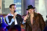"Taylor Swift Told Jonathan Davis She Was ""a Huge Korn Fan,"" and Other Wonderful Memories From <em>TRL</em>"