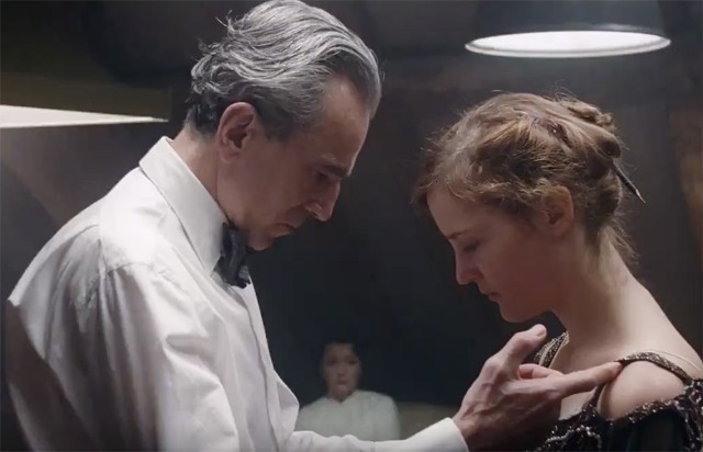phantom-thread-1508769157-640x412