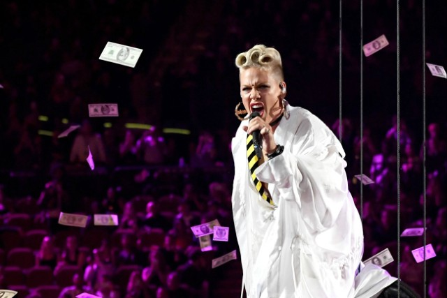 pink-dr-luke-not-a-good-person-1507225280
