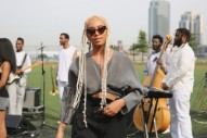 <i>Evening Standard Magazine</i> Apologizes to Solange for Touching Her Hair