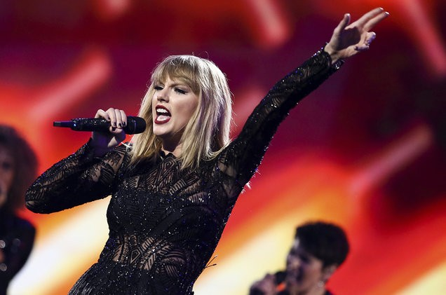 02-taylor-swift-super-bowl-concert-billboard-1548-1510196500