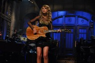 Taylor Swift Plays &#8220;Call It What You Want&#8221; on <i>SNL</i>, Making it Significantly Better