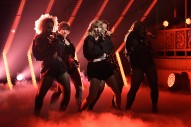 "Taylor Swift Performs ""&#8230;Ready For It"" on <i>SNL</i>"