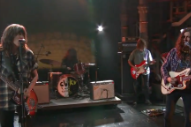 Watch Courtney Barnett and Kurt Vile Play <i>Lotta Sea Lice</i> Tracks on <i>Colbert</i>